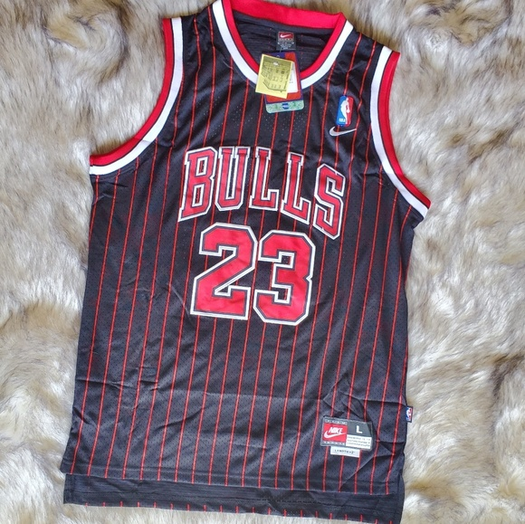 huge selection of 9747e 4d1a2 ❤ Vintage Hardwood Classic Chicago Bulls Jersey ❤ NWT